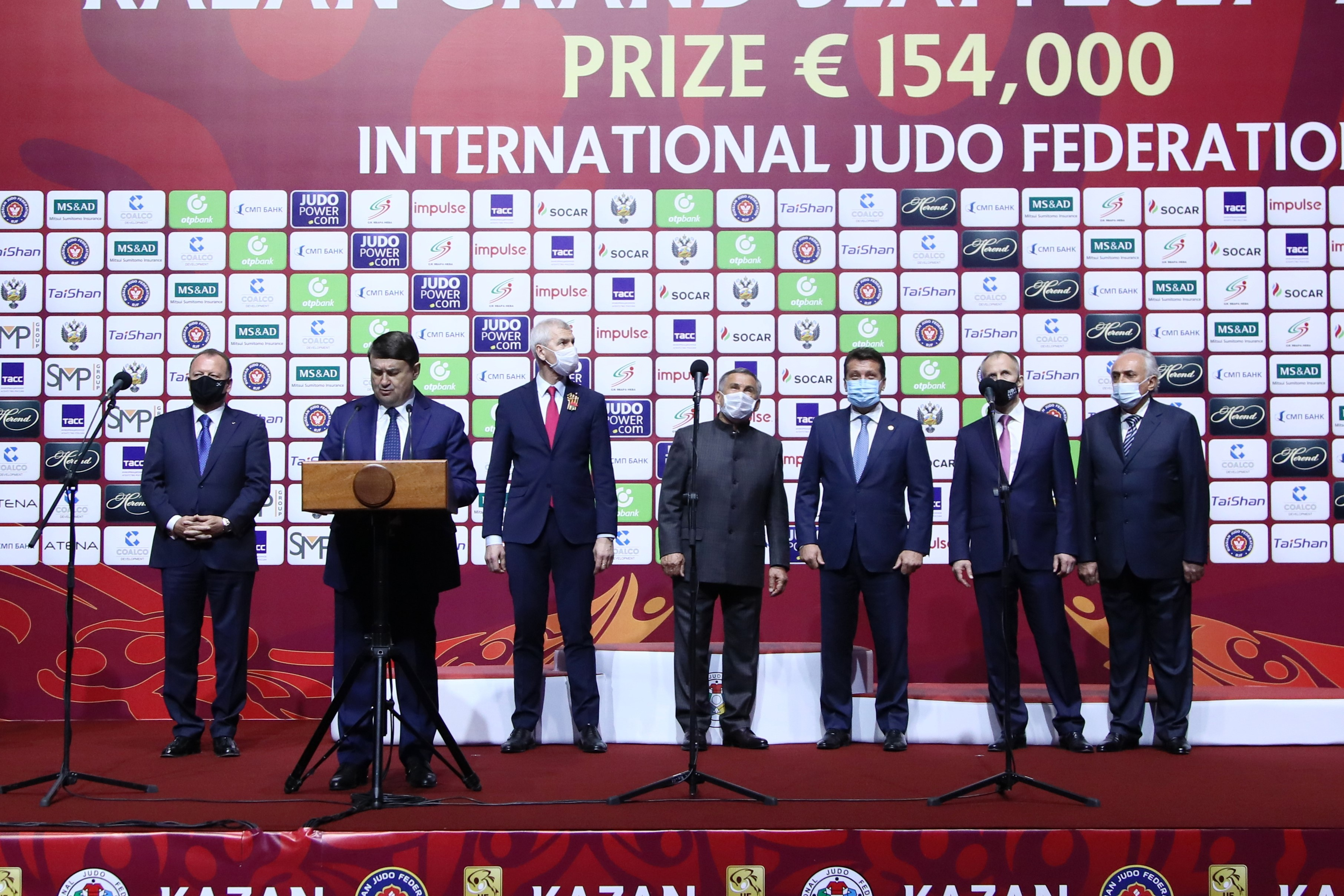 Рустам Минниханов и Игорь Левитин приняли участие в церемонии открытия турнира серии «Большой шлем» в Казани