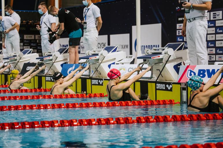 Мартин Малютин выиграл на ЧР 200 м вольным стилем, Дарья Васькина взяла «золото» на 100 м на спине